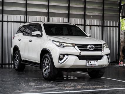 Toyota Fortuner 2.4 V เครื่องดีเซล เกียร์ออโต้ ปี 2015 รูปที่ 1