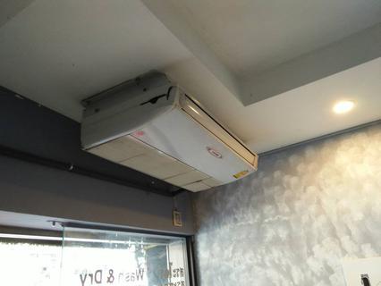 Small space for rent 1st floor only BTS Udomsuk Sukhumvit103 รูปที่ 1