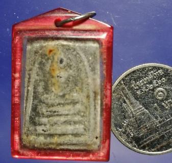 พระสมเด็จ เนื้อผงใบลาน หลังภาพถ่ายล.พ.น้อย วัดศรีษะทอง พร้อมเลี่ยมโบราณ 1 รูปที่ 2