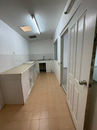 ติดต่อ 087 1281353 ให้เช่าบ้าน ทาวน์เฮ้าส์ 2 ชั้น ใกล้ ม.รังสิต 3 นอน 2 น้ำ 086 3685299 รูปที่ 3