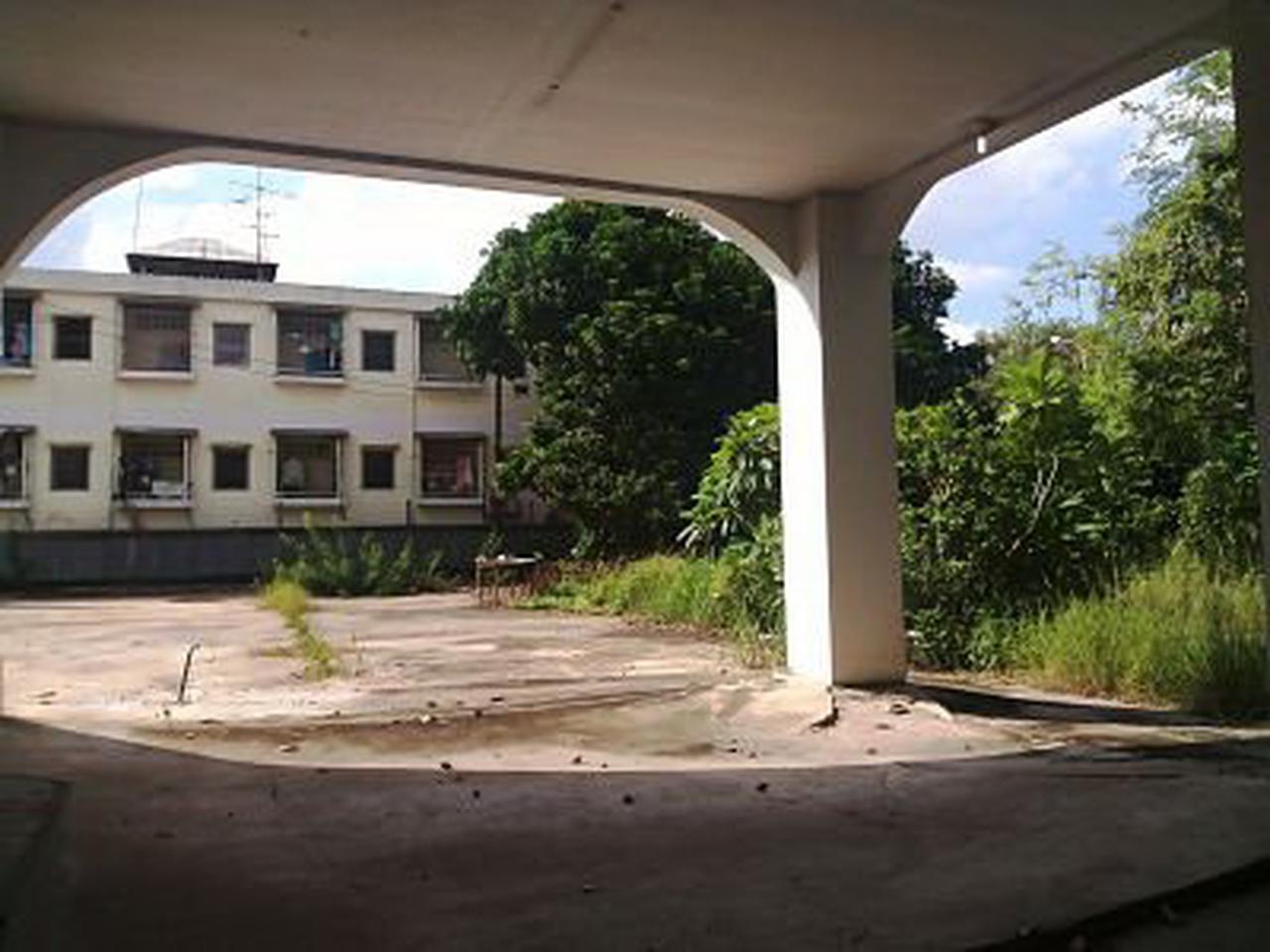 ขายที่ดินไร่กว่า อ่อนนุช/ Sale Land with old  house On-Nut R รูปที่ 1