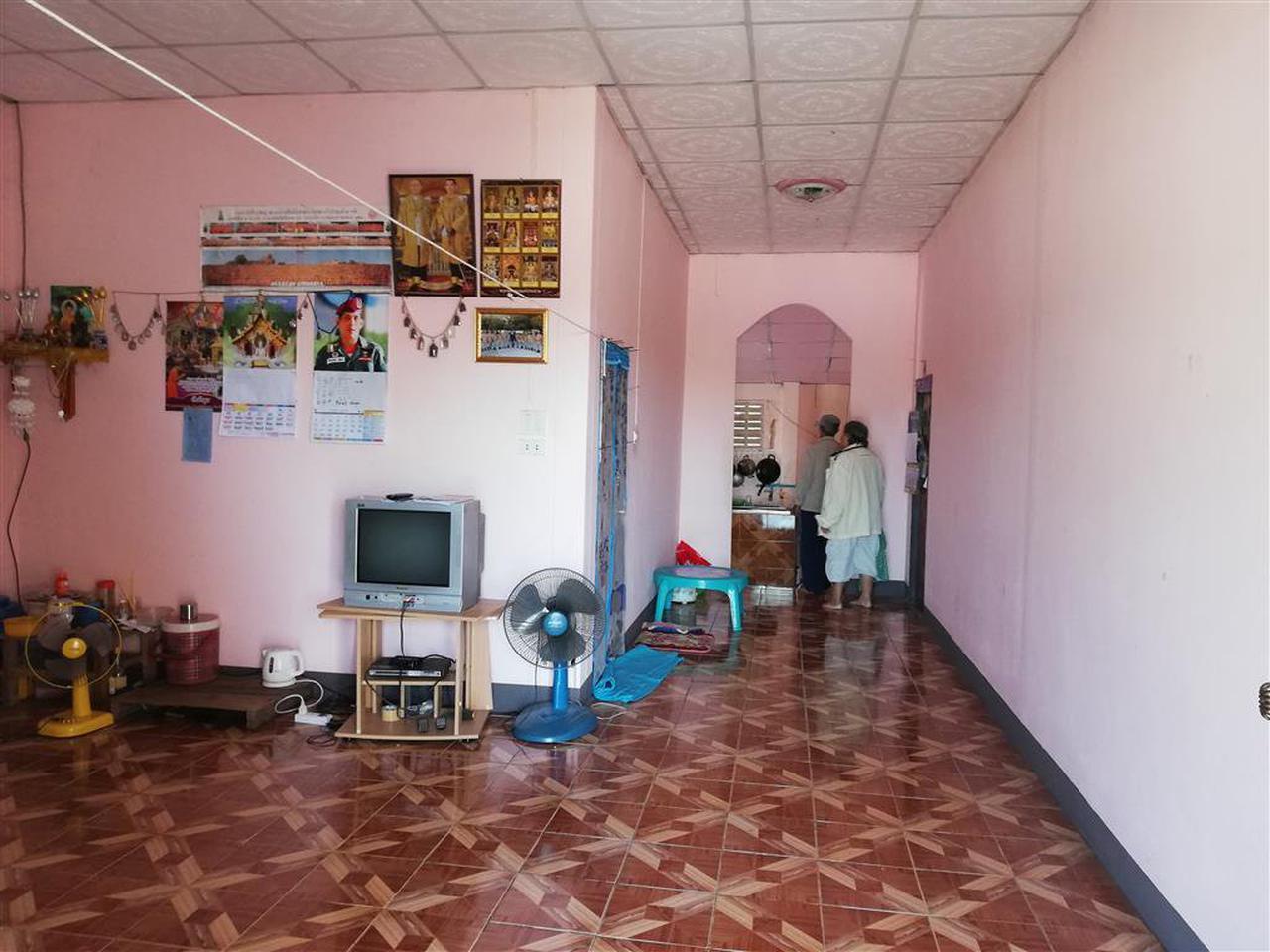 SS156ขายบ้านชั้นเดียวพร้อมที่ดิน0-2-09ไร่ติดทางสาธารณประโยชน รูปที่ 2