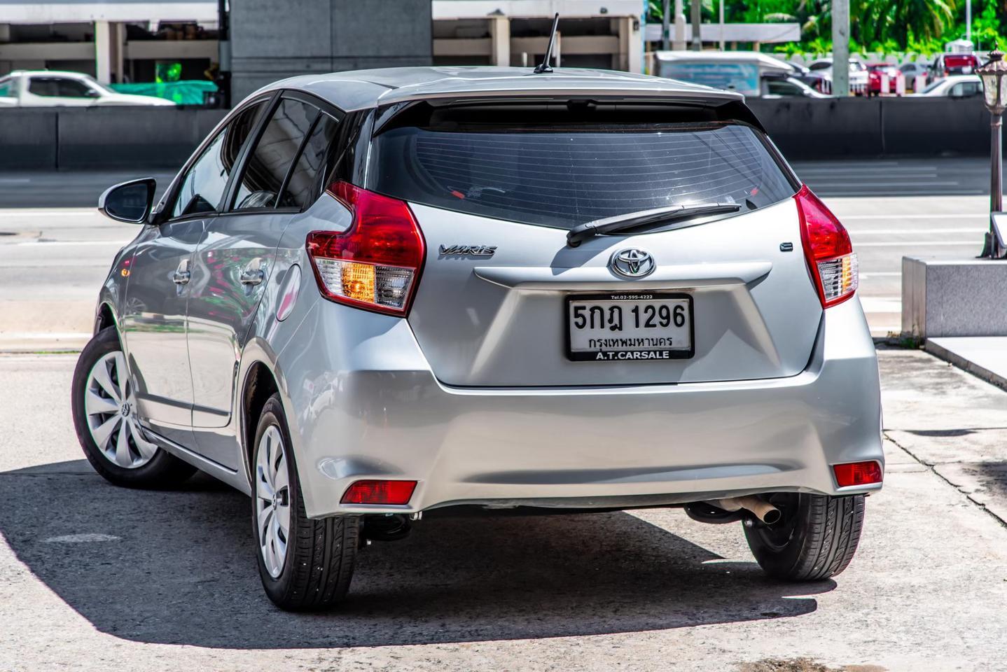 Toyota Yaris 1.2 E รูปที่ 4