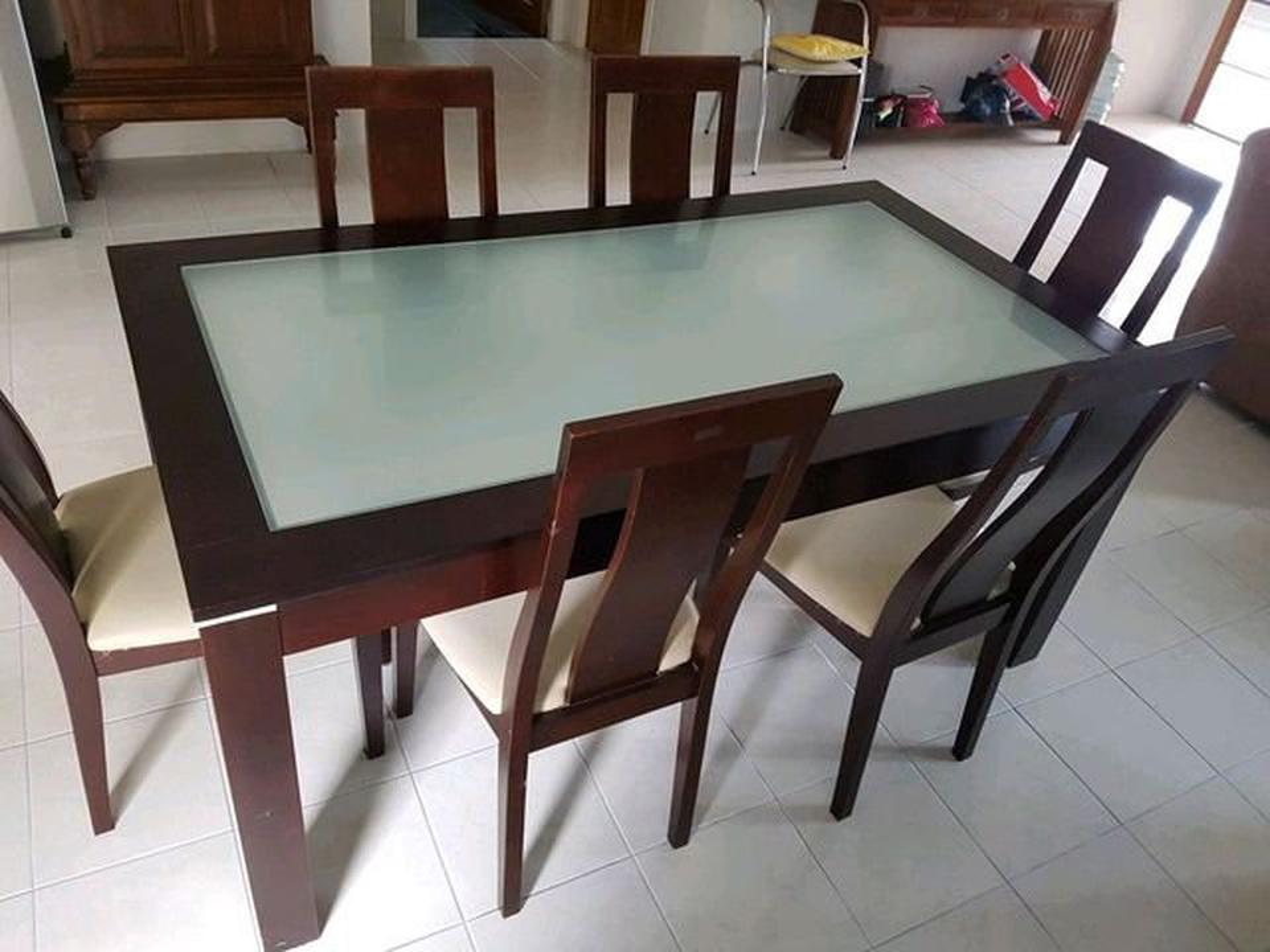 ชุดโต๊ะ พร้อมเก้าอี้ 6 ที่นั่ง  ขนาดโต๊ะ 165x90 cm. รูปที่ 1