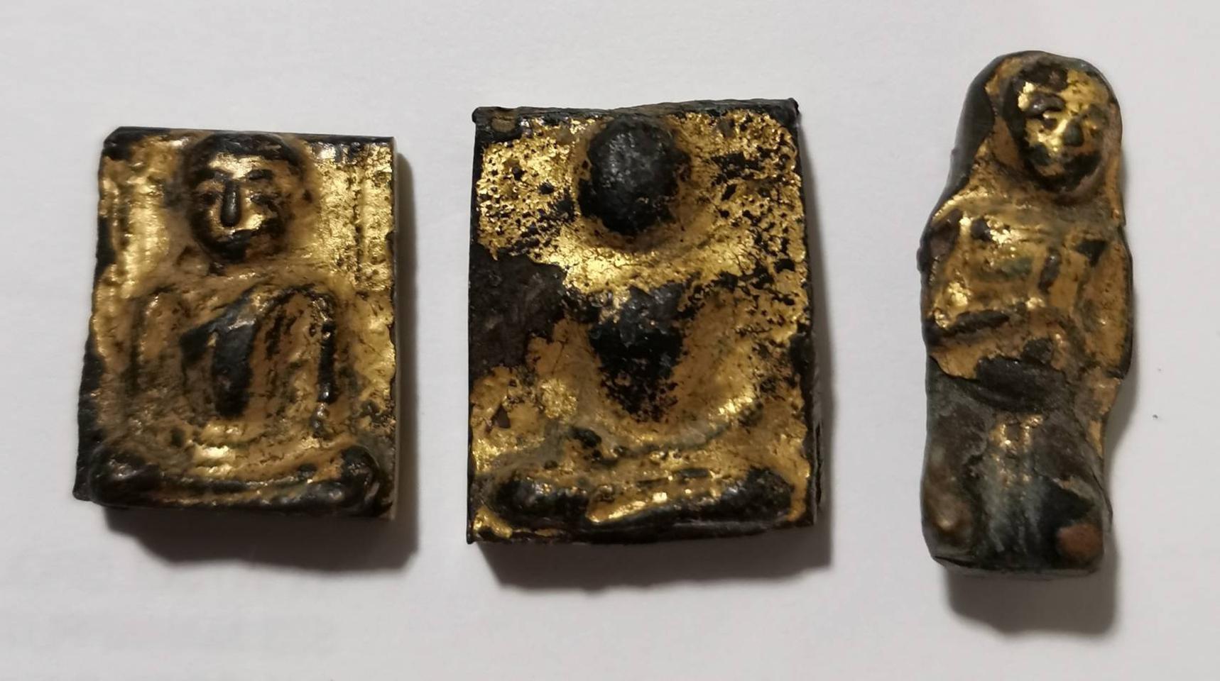 4797 พระรัตนะ แผงตัด ของวัดบางหญ่าแพรก เนื้อทองผสมลงรักปิดทอ รูปที่ 1