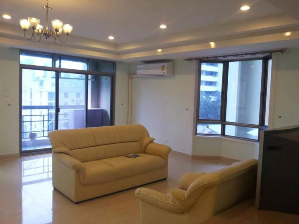 Royal Castle for Rent - 3 bed / 3 bath / 195 sqm  รูปที่ 2