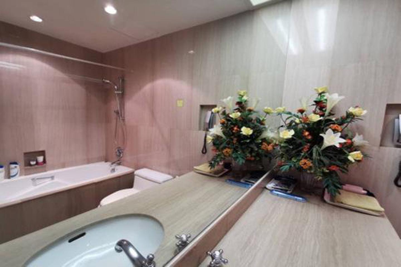 For Rent,bargain price,Langsuan Ville Condo near BTS Ratchadamri 77 sqm 1 bed รูปที่ 5