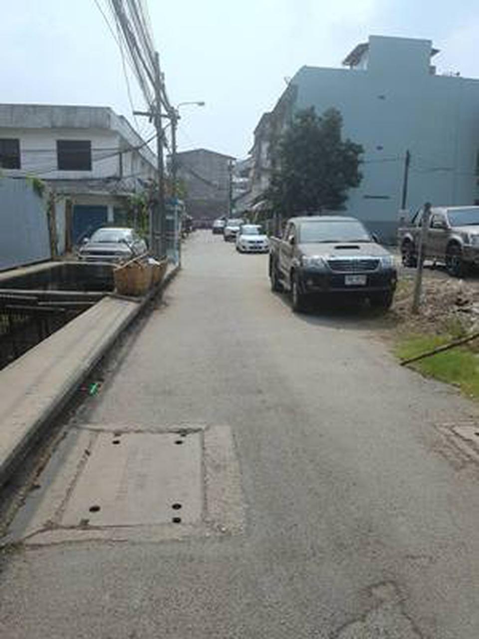 ขายที่ดินเปล่าถมแล้วในถนนสุขุมวิท กรุงเทพมหานคร รูปที่ 4
