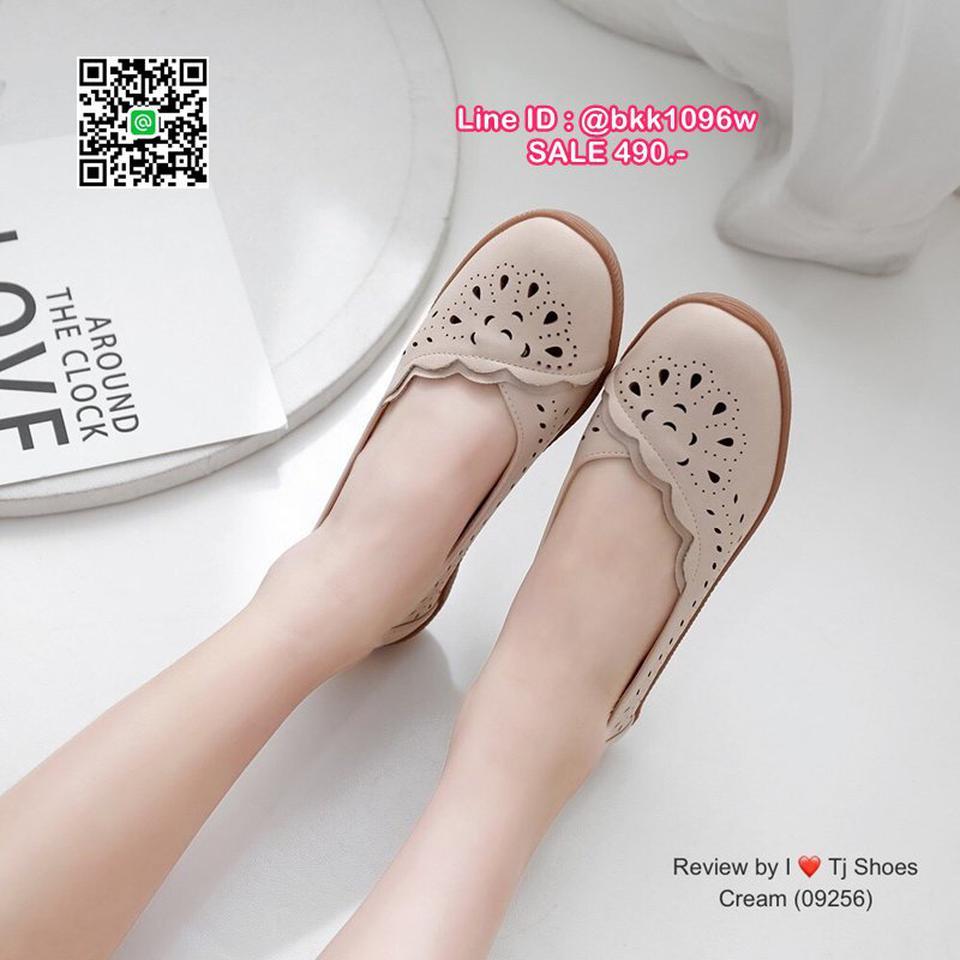 รองเท้าคัชชู น้ำหนักเบา หนังPUนิ่ม ฉลุลาย มีรูระบายอากาศ ใส่แล้วไม่อับเท้า พื้นบุนวมนิ่ม ใส่นุ่มสบายมากๆ ส้นยาง รูปที่ 4