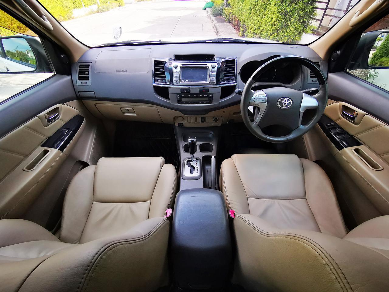 ขายรถมือสอง Fortuner 2.7 V (ปี 2013) สภาพสวยมาก เครื่องยนต์เบนซิน ใช้น้อยมาก ไมล์แท้  รูปที่ 4