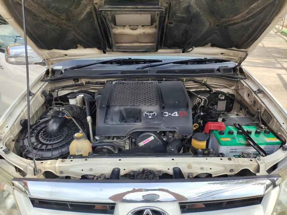 Toyota fortuner 3.0 4WD รูปที่ 6
