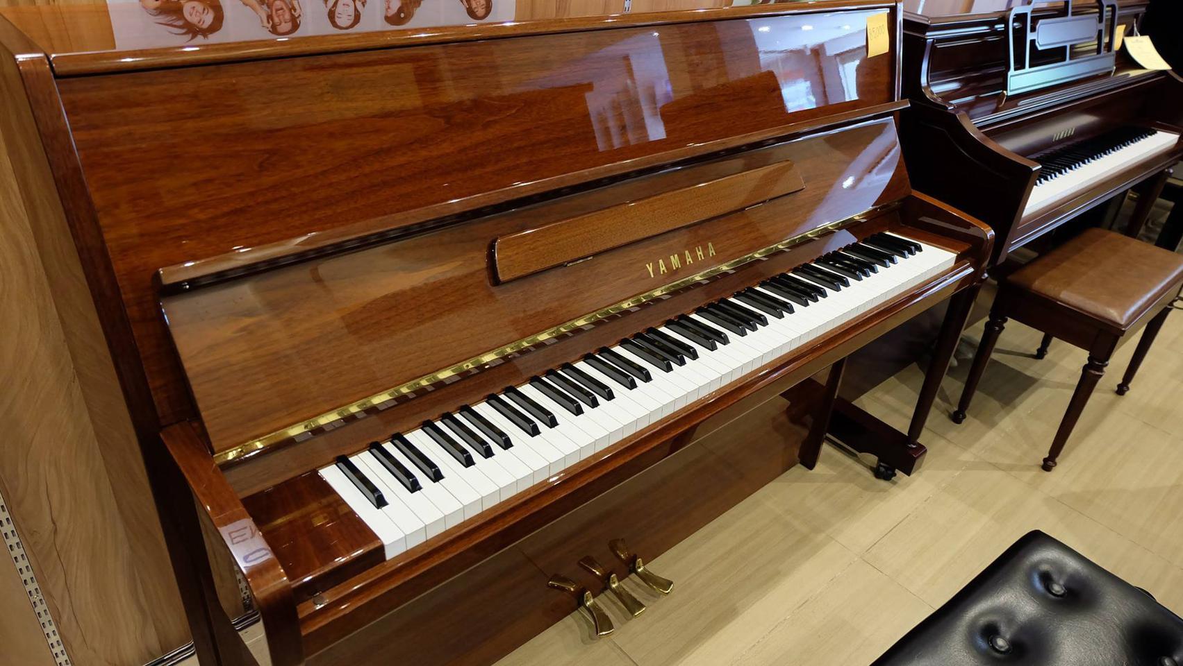 ประกาศขายเปียโนอัพไรท์ YAMAHA P116 สีไม้เดิมๆ สวยงามมากๆ รูปที่ 1