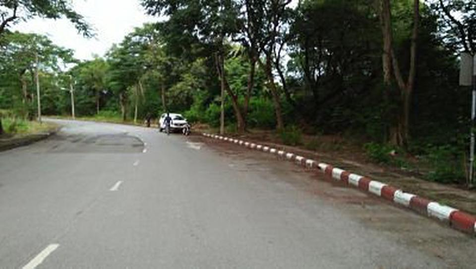 Land for Sale Suitable for House not far Airport within Roya รูปที่ 2