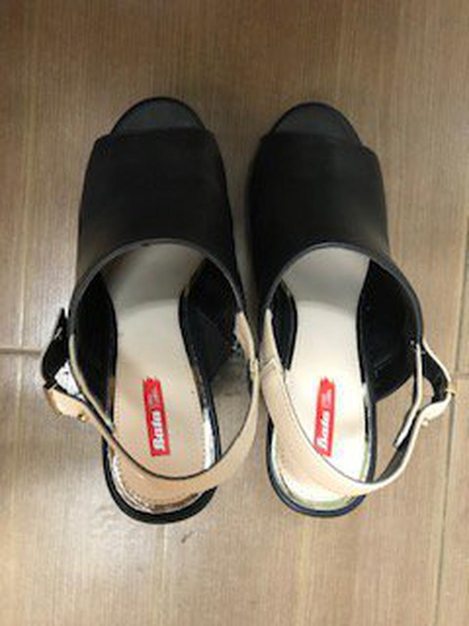รองเท้าสีดำส้นตึก Bata Red Label เบอร์ 6.0 รูปที่ 2