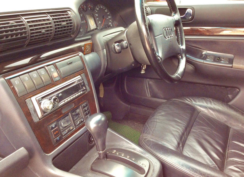 รถ AUDI A4 2.4 V6 รูปที่ 6