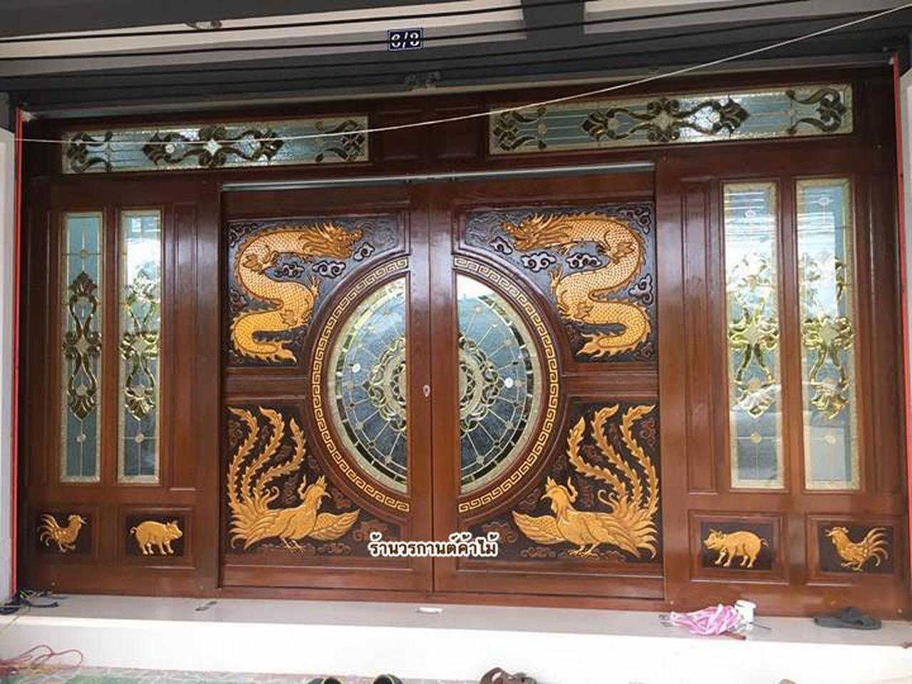 ประตูไม้สักกระจกนิรภัย , ประตูไม้สักบานคู่ ร้านวรกานต์ค้าไม้ door-woodhome.com รูปที่ 3