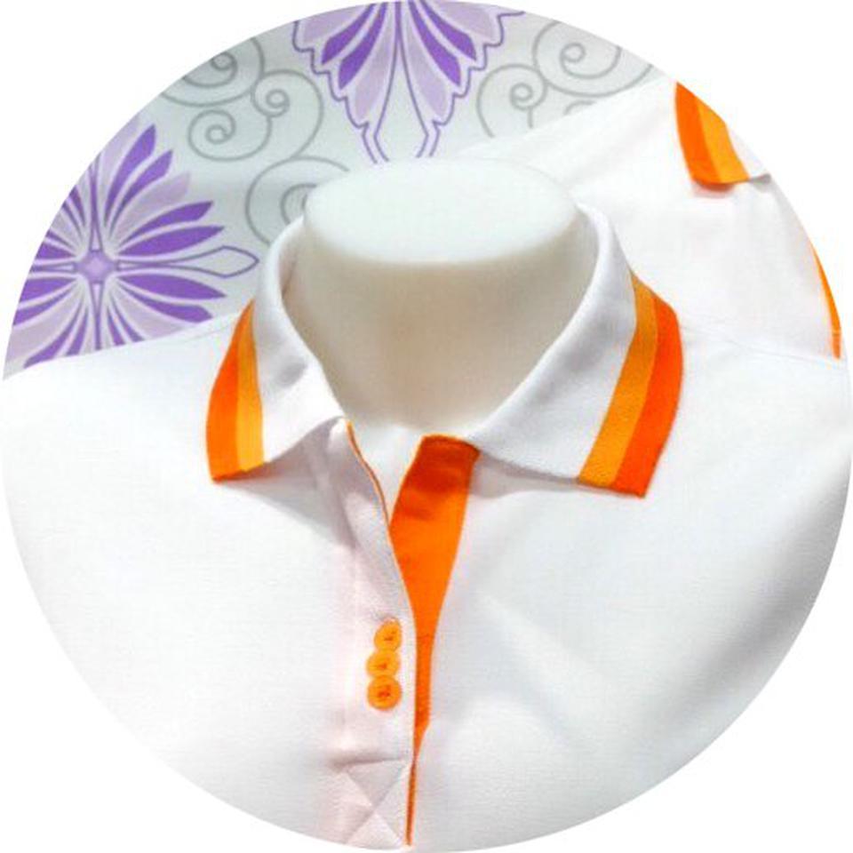 เสื้อโปโลสำเร็จรูป ขาวปกส้ม ทรงสปอร์ต ชาย-หญิง รูปที่ 2