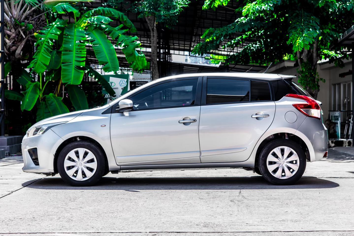 Toyota Yaris 1.2 E รูปที่ 6