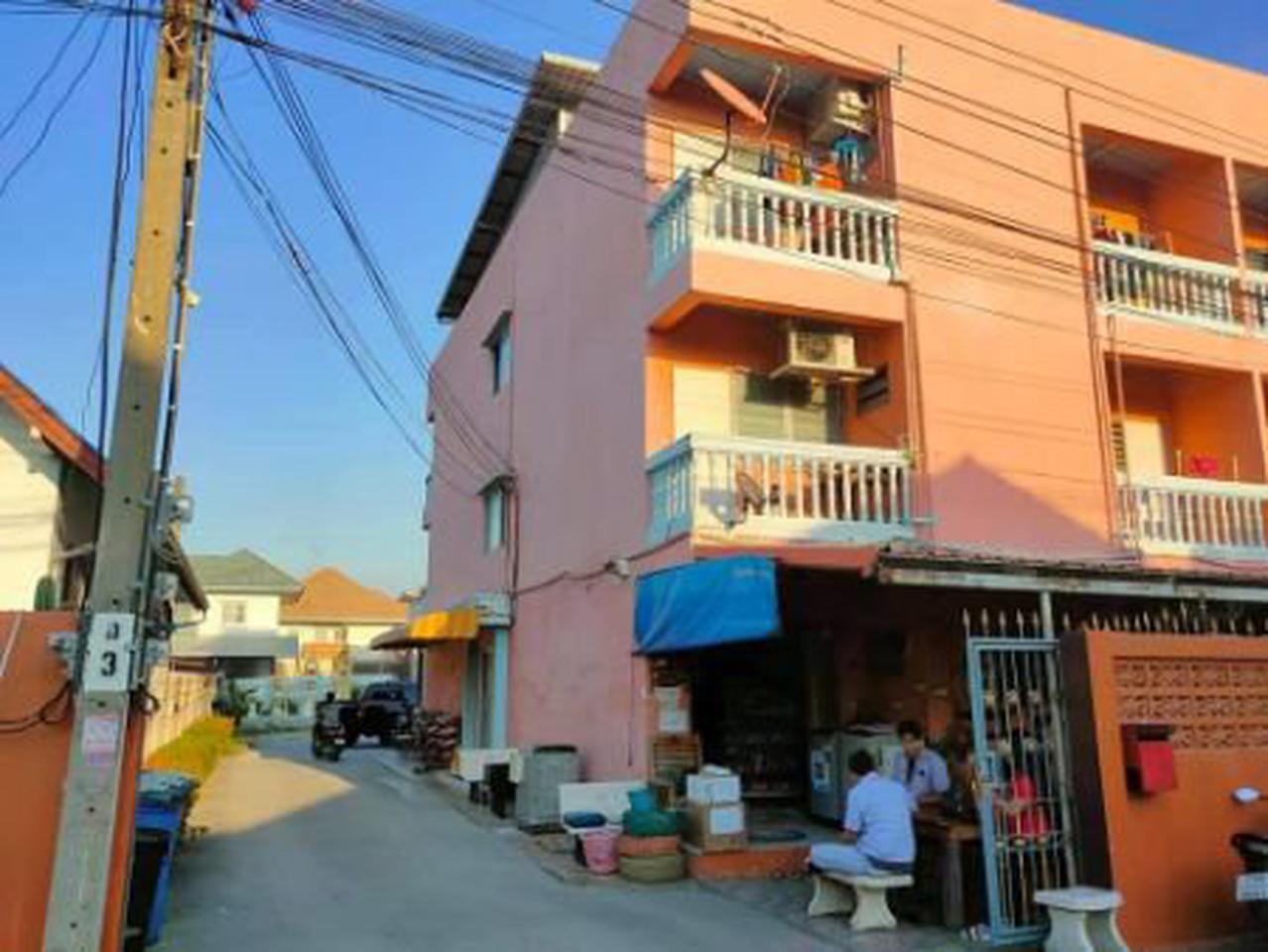 ให้เช่า อพาร์ทเม้นท์ หอพักตึกสีส้ม ขนาด 28 ตรว. พื้นที่ 112 ตรม. รูปที่ 1