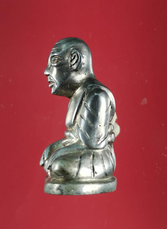 5850 รูปหล่อหลวงปู่สุข ธรรมฺโชโต วัดโพธิ์ทรายทอง พิมพ์มือจับเข่า รูปที่ 4