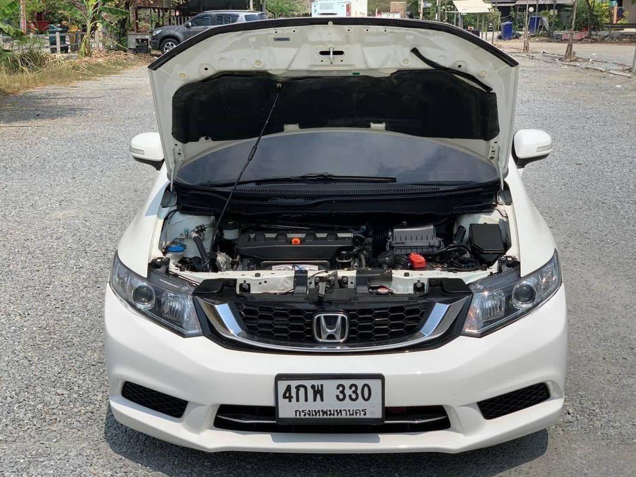 36 Honda Civic Fb 1.8s ปี 2015 สีขาว เกียร์ออโต้ รูปที่ 5