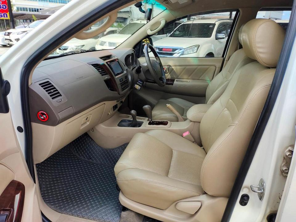 Toyota fortuner 3.0 4WD รูปที่ 4