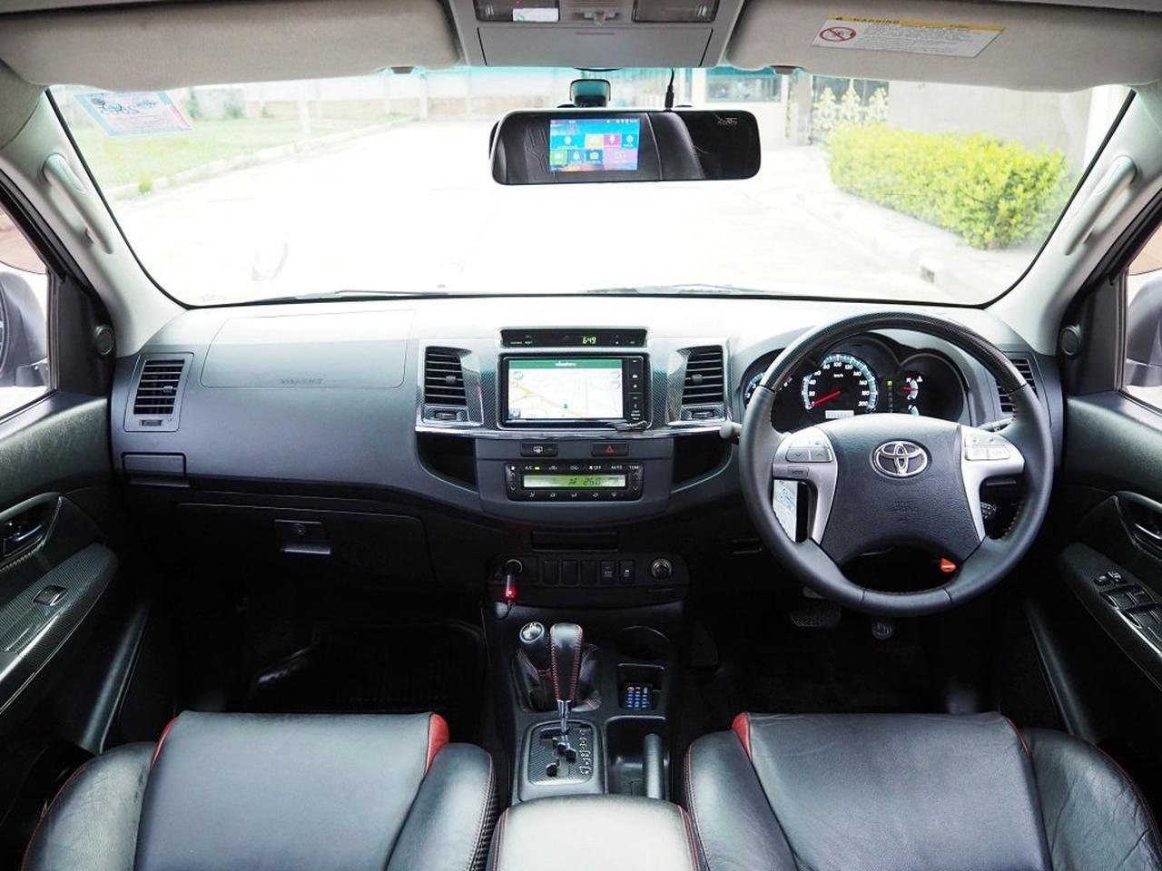 TOYOTA FORTUNER 3.0 V 4WD TRD Sportivo Midnight Shine ปลายปี 2014 จดปี 2015 เกียร์AUTO 5 SPEED 4X4 สภาพนางฟ้า  รูปที่ 3