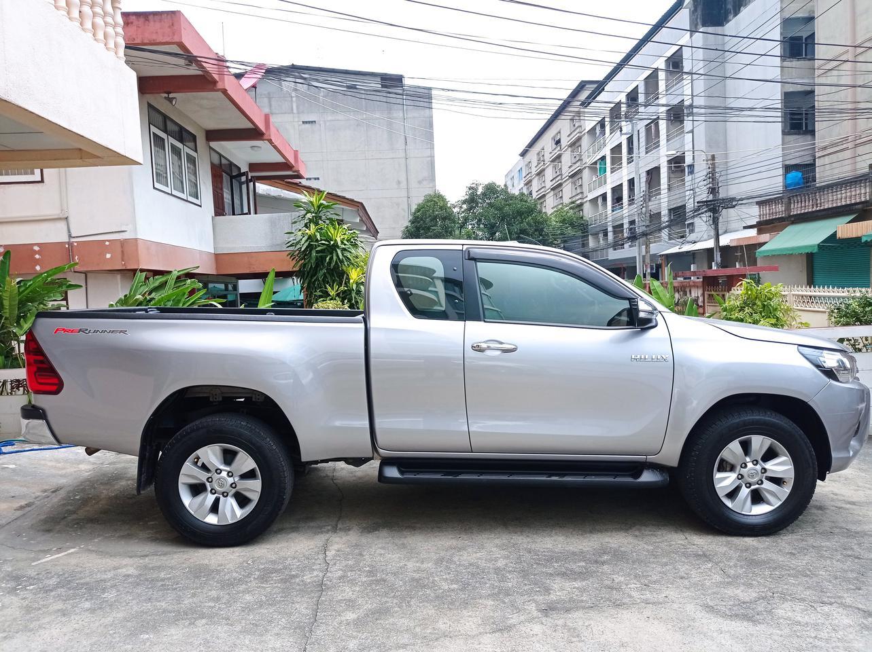 Toyota revo 2.4G navi ปี2016 #ขายด่วน รูปที่ 2