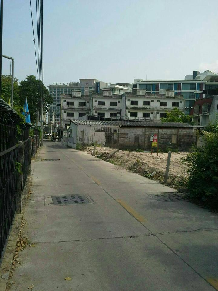 Sale of land plot 220 sqw. Or about 880 sqm. Ideal for an ap รูปที่ 2