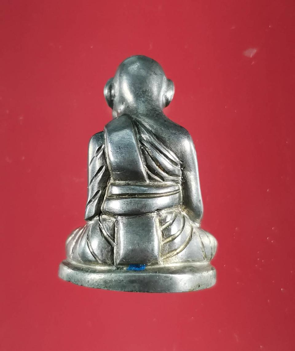 5850 รูปหล่อหลวงปู่สุข ธรรมฺโชโต วัดโพธิ์ทรายทอง พิมพ์มือจับเข่า รูปที่ 3