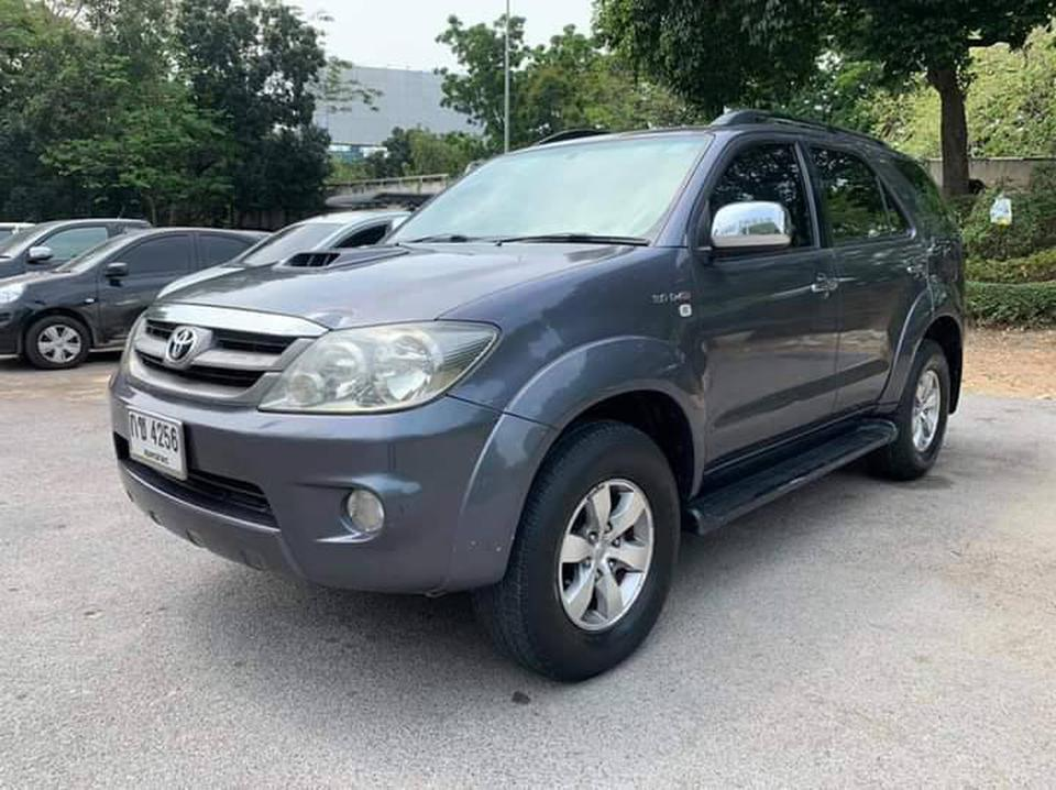 Toyota Fortuner 3.0V 4WD A/T ปี2005 รูปที่ 1