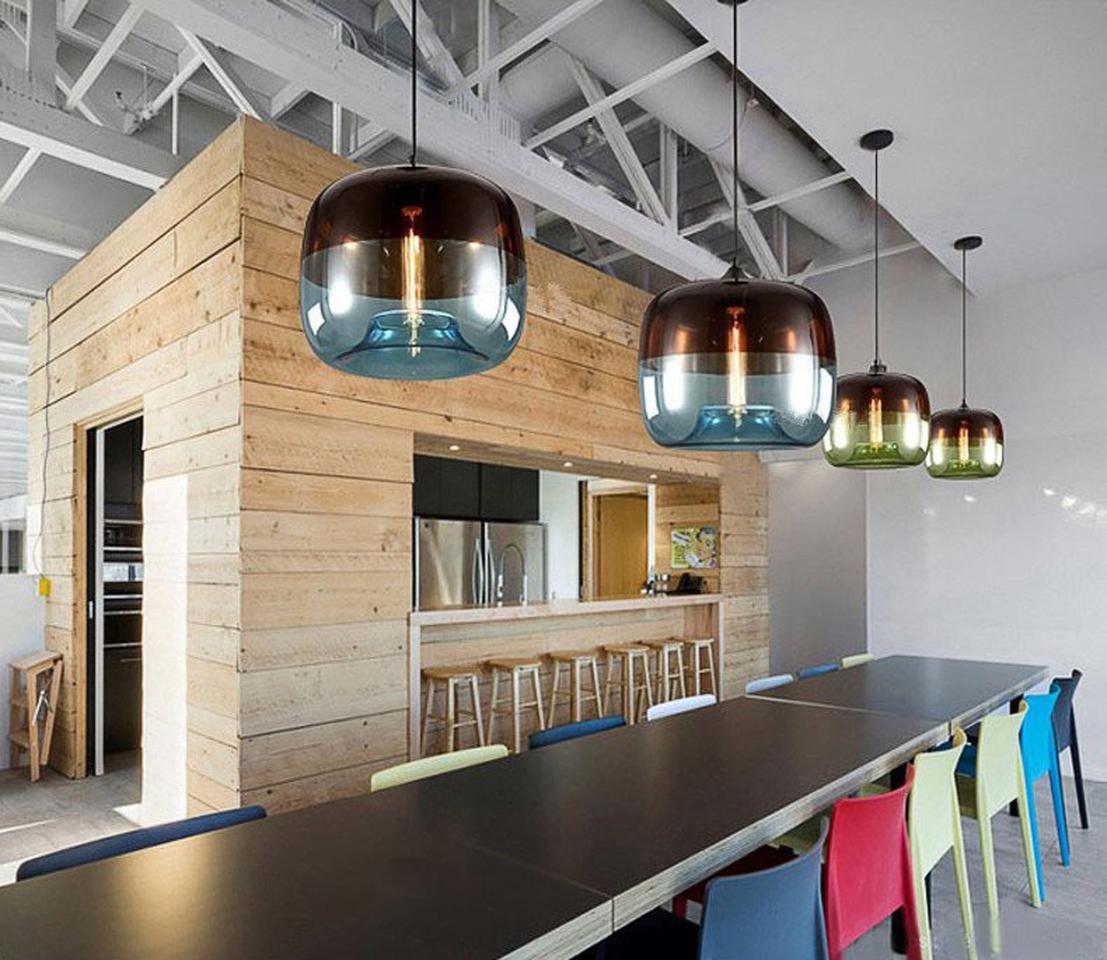 โคมไฟแอปเปิ้ล โคมไฟแก้วใสรูปแอปเปิ้ล โคมไฟแก้วสีเขียว และโคมไฟแก้วสีฟ้า เป็นโคมไฟสไตล์โมเดร์น  รูปที่ 1