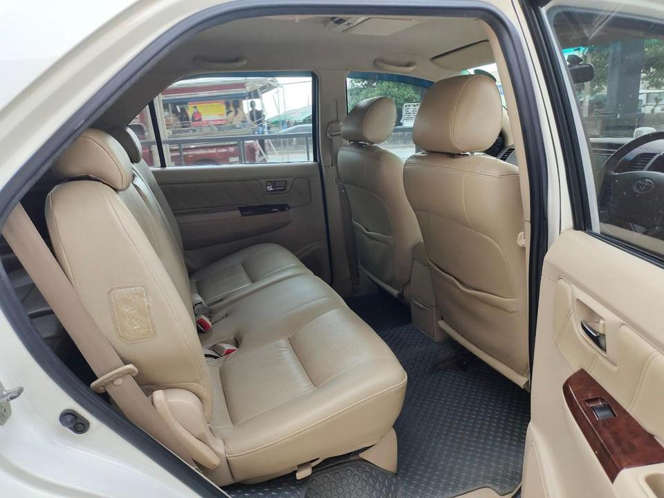 Toyota fortuner 3.0 4WD รูปที่ 5
