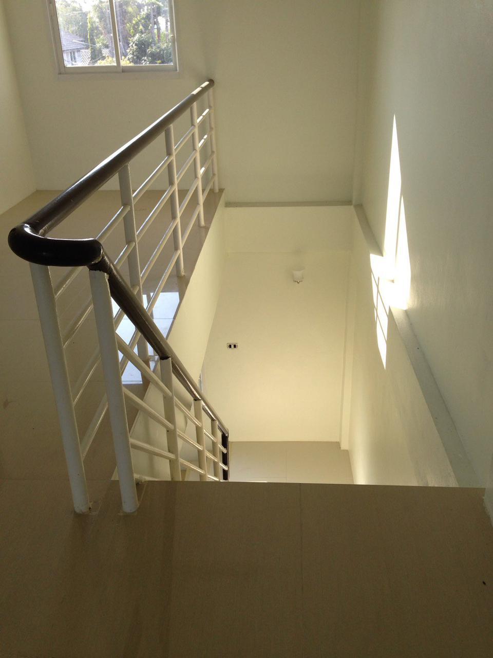 อาคารสร้างใหม่ 3 ชั้น จำนวน 2 คูหา ติดถนนทุ่งกลม ตาลหมัน 5 เข้าจาก ถ. สุขุมวิท 89 (พัทยา) รูปที่ 4