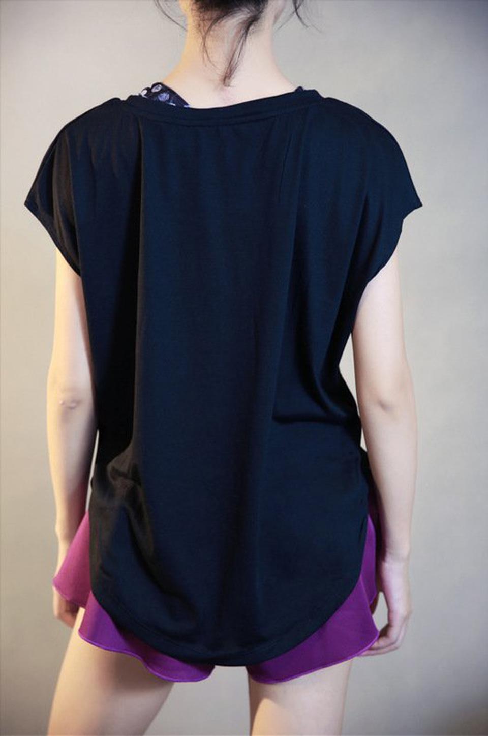 ชุดออกกำลังกายผู้หญิง เสื้อกีฬาผู้หญิง ใส่สบาย ระบายความร้อนได้ดี (สีดำ) รูปที่ 3