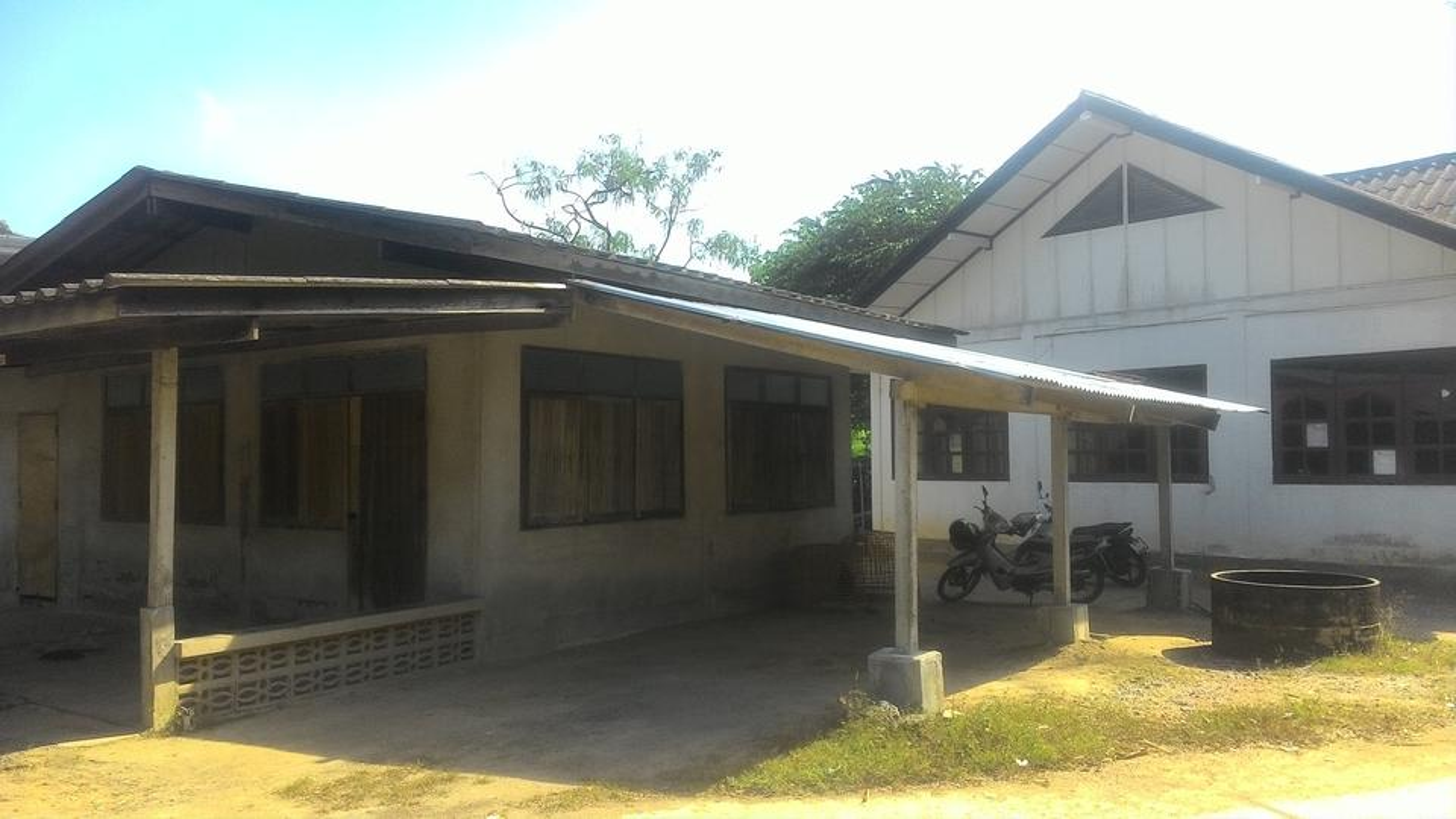 ขายบ้านพร้อมที่ดินที่พัทยา บ้านมีสองหลังในเนื้อที่ 1งาน 33 ตารางวา เจ้าของขายเอง รูปที่ 2