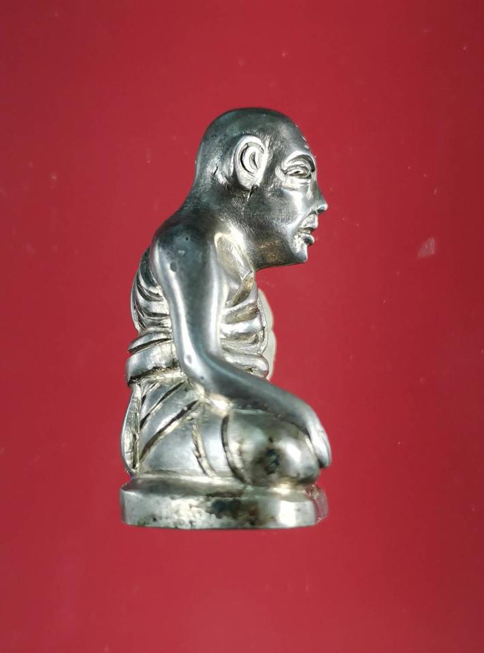 5850 รูปหล่อหลวงปู่สุข ธรรมฺโชโต วัดโพธิ์ทรายทอง พิมพ์มือจับเข่า รูปที่ 2