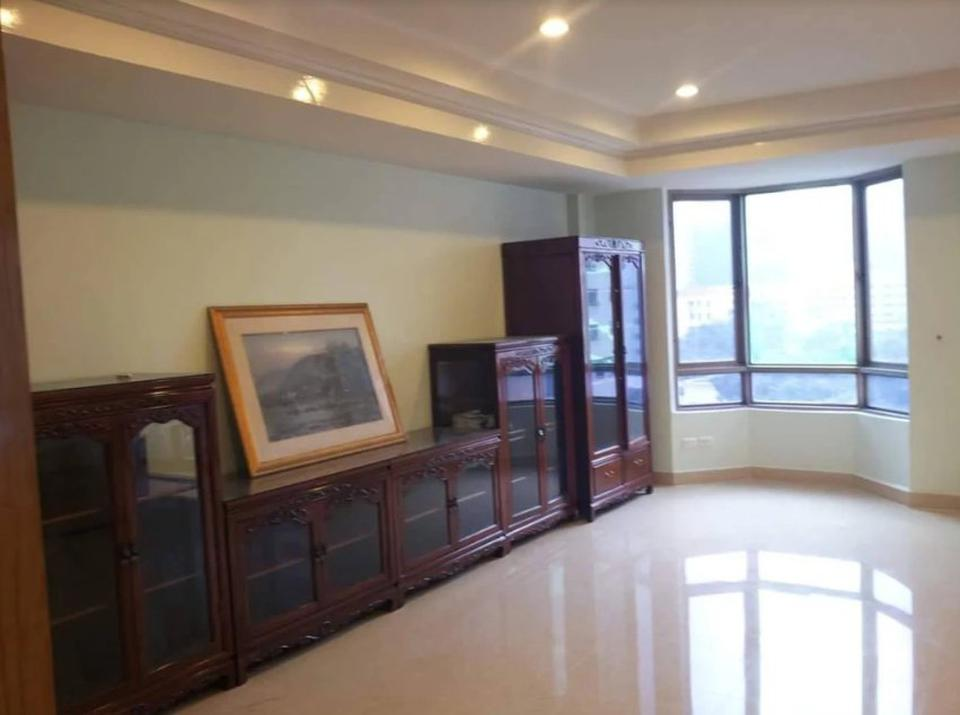 Royal Castle for Rent - 3 bed / 3 bath / 195 sqm  รูปที่ 1