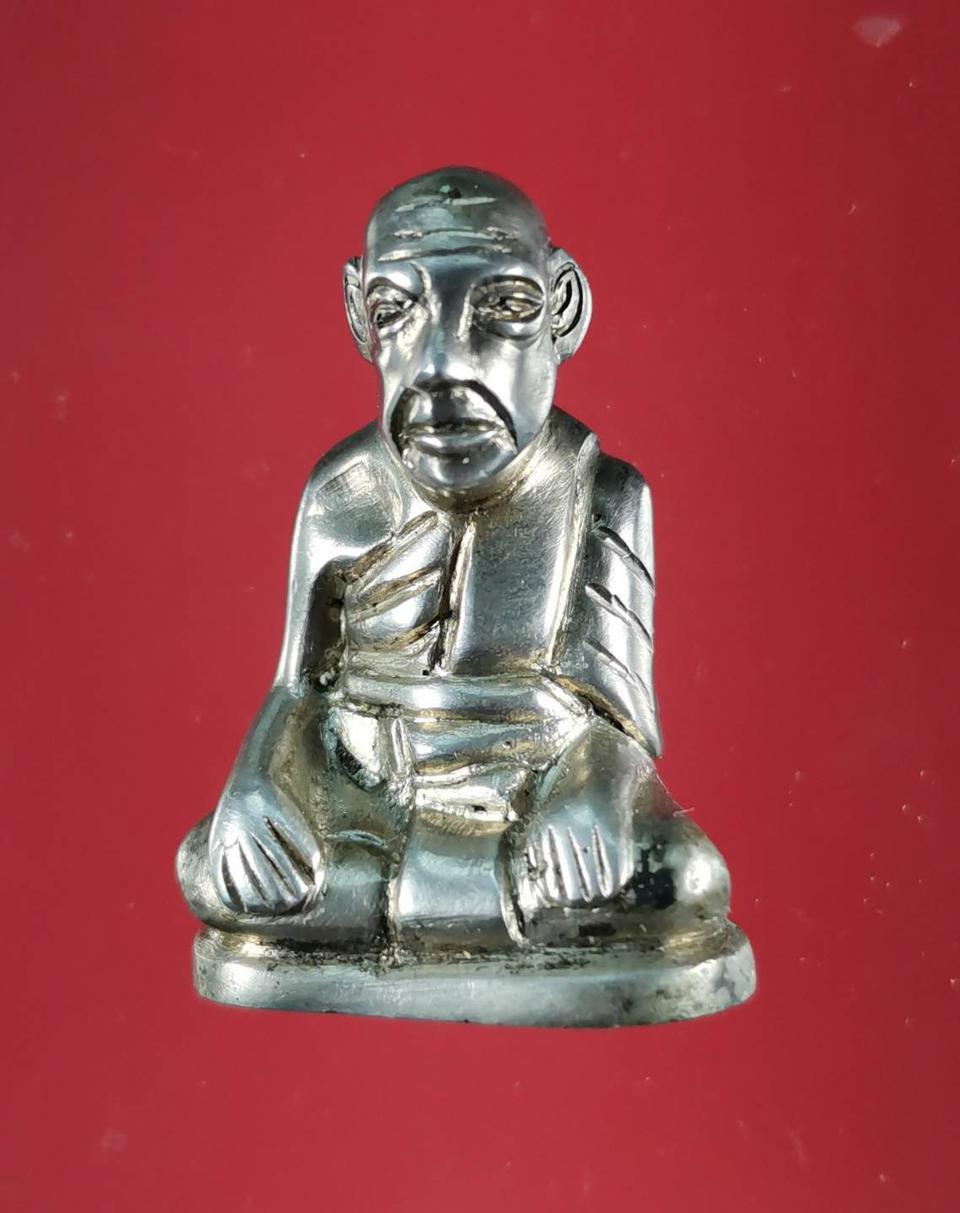 5850 รูปหล่อหลวงปู่สุข ธรรมฺโชโต วัดโพธิ์ทรายทอง พิมพ์มือจับเข่า รูปที่ 1