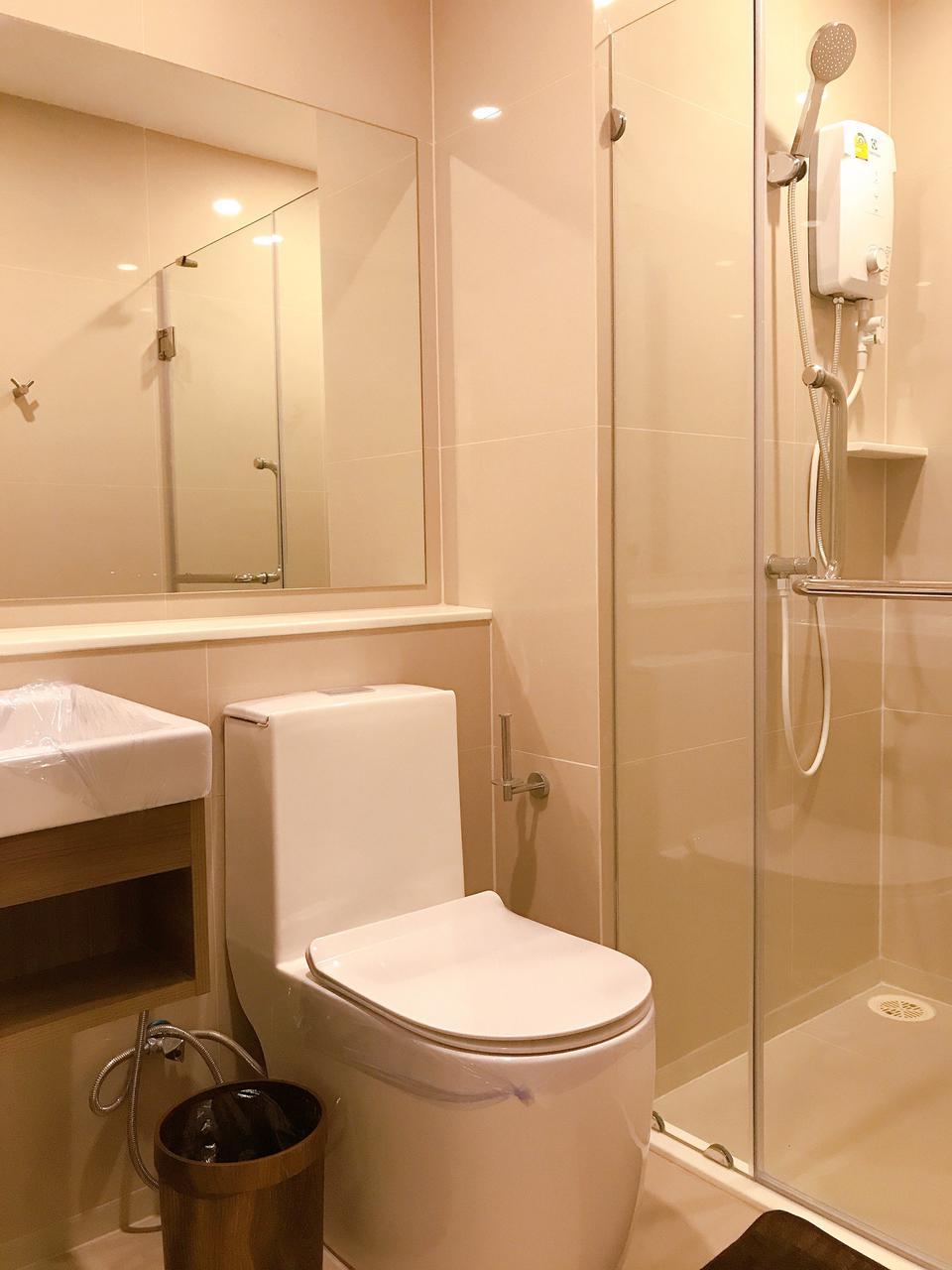 Fully furnished For rent ให้เช่า ฿12,000 ห้อง 25 ตร.ม. 8F ใหม่พร้อมอยู่ Aspire อโศก-รัชดา **รับ Agent รูปที่ 1