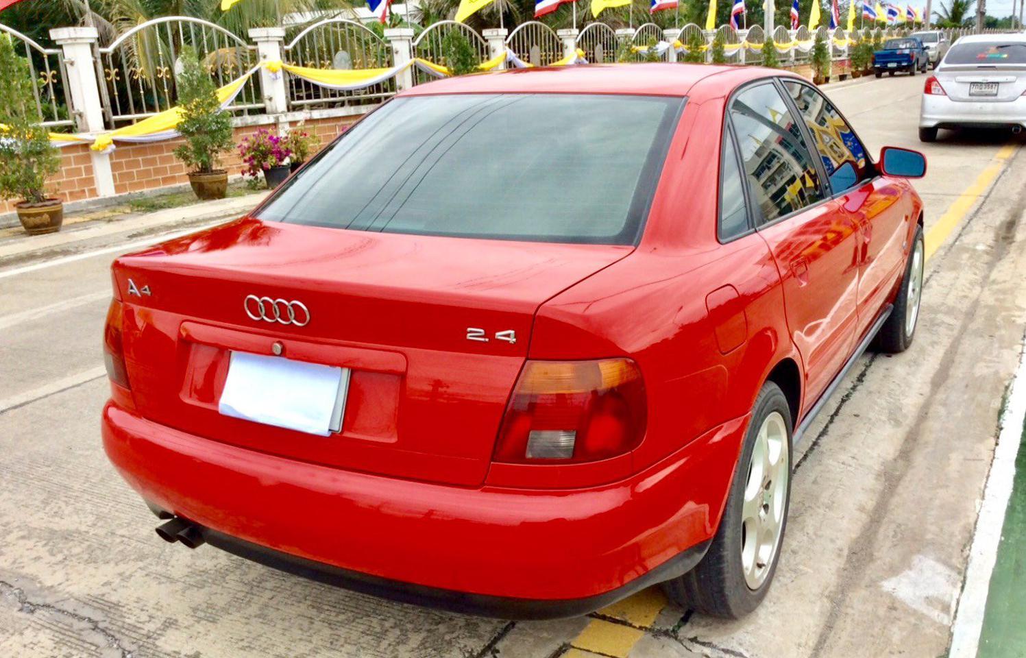 รถ AUDI A4 2.4 V6 รูปที่ 5