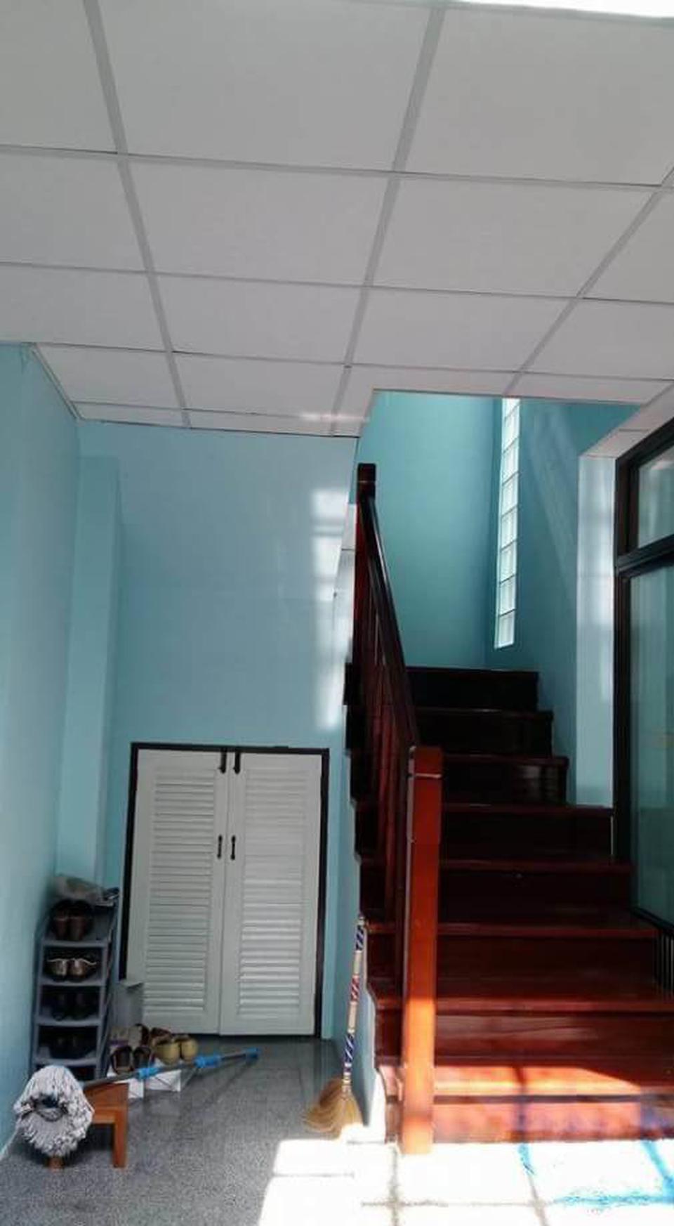 ขายด่วน บ้านแฝด 2 ชั้น 36 ตรว. ม.นันทนา การ์เด้นท์ รูปที่ 1