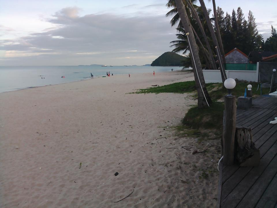 Sale Land 2 Rais close beach just 150 m.suitable for retirement very peacefully greenery รูปที่ 5