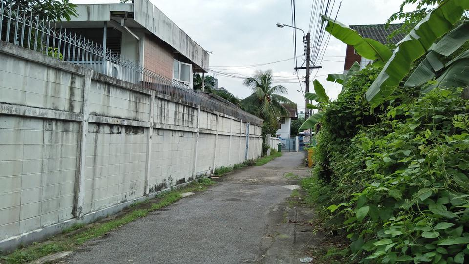 Rent   Smaller  land long term suitable for  project Phrakha รูปที่ 5