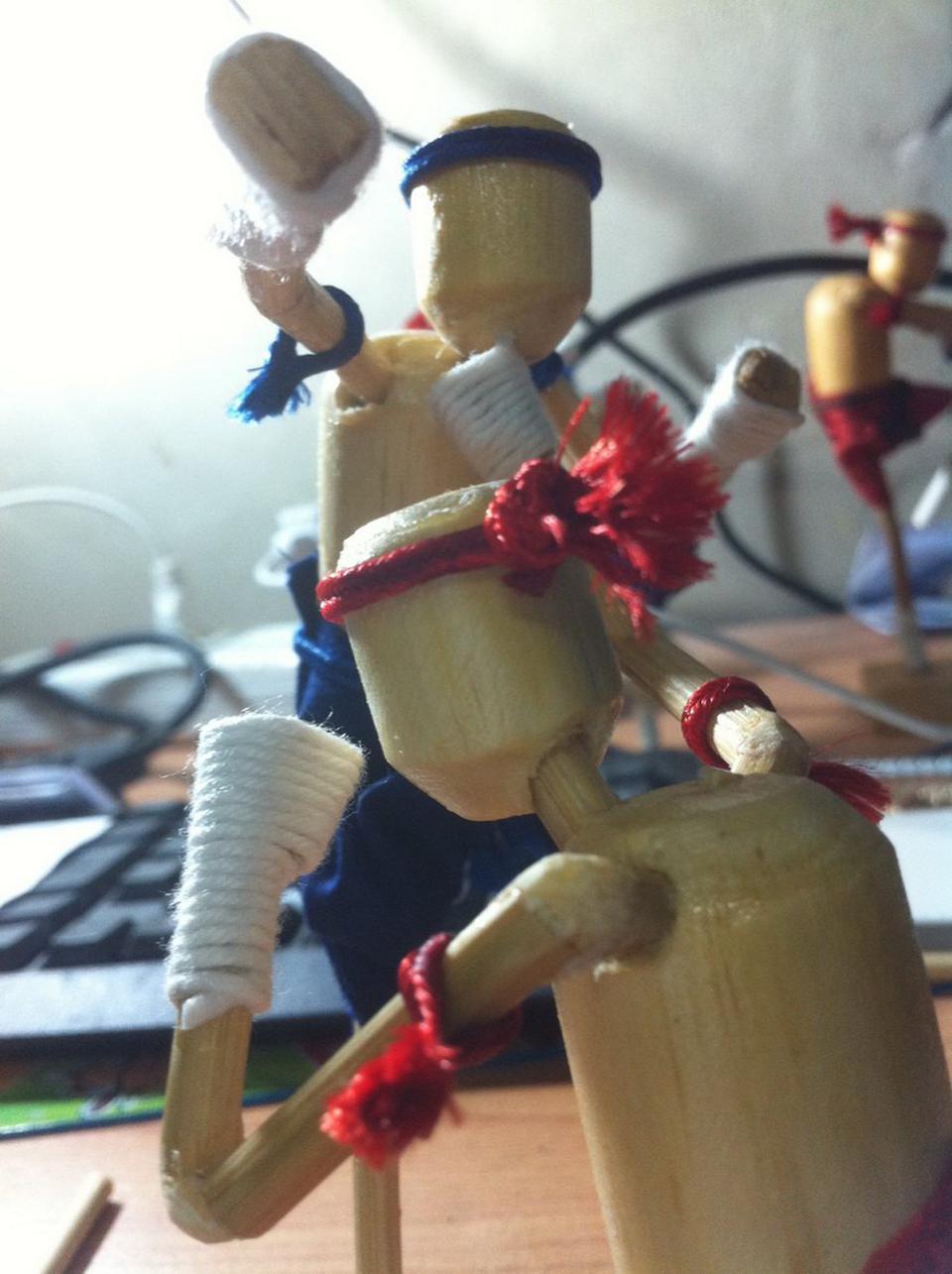 ตุ๊กตาไม้มวยไทย รูปที่ 1