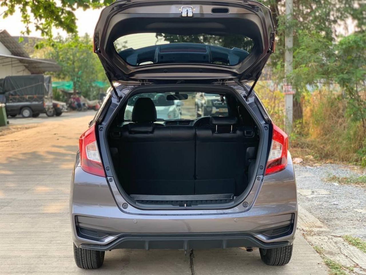 37 Honda New Jazz GK 1.5 RS (MNC) ปี 2019 สีขาว เกียร์ออโต้ รูปที่ 1