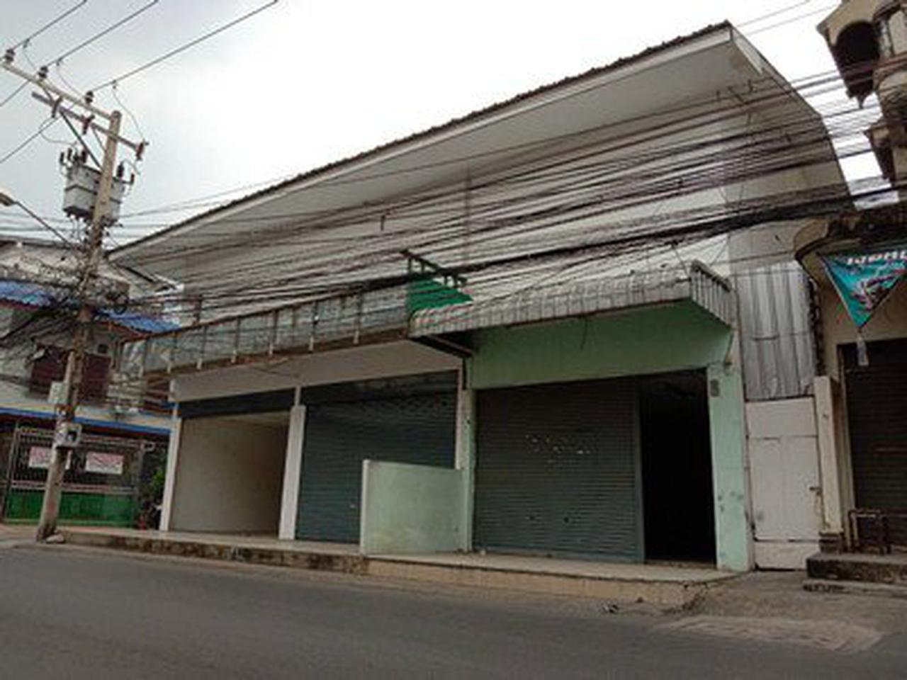 ให้เช่าอาคารพาณิชย์ 4 คูหา  2 ชั้น ถนนพหลโยธิน54/1 รูปที่ 2
