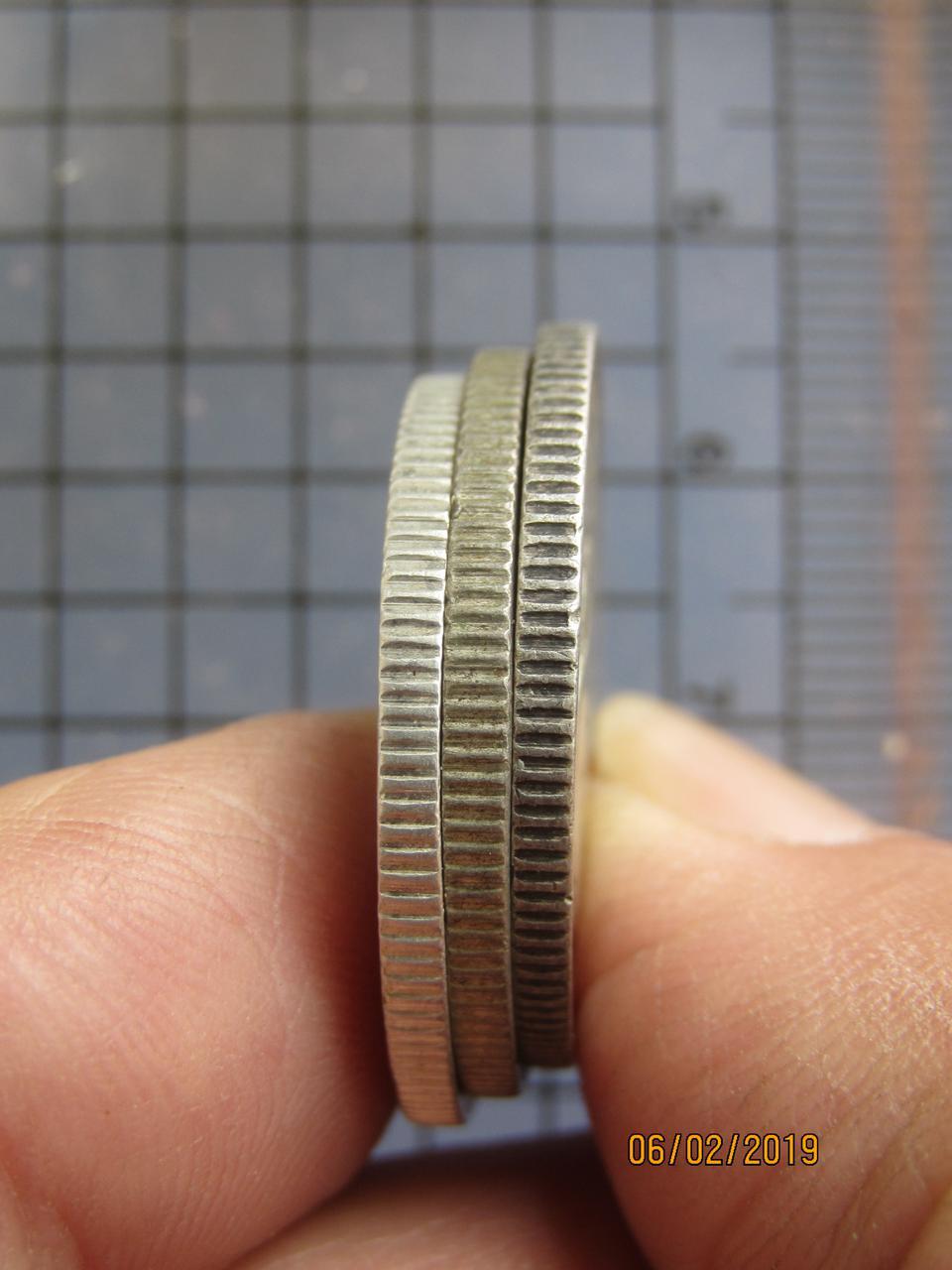 5239 เหรียญร.6 เนื้อเงิน(50สตางค์) พระบรมรูป-ตราไอราพต ปี 24 รูปที่ 1