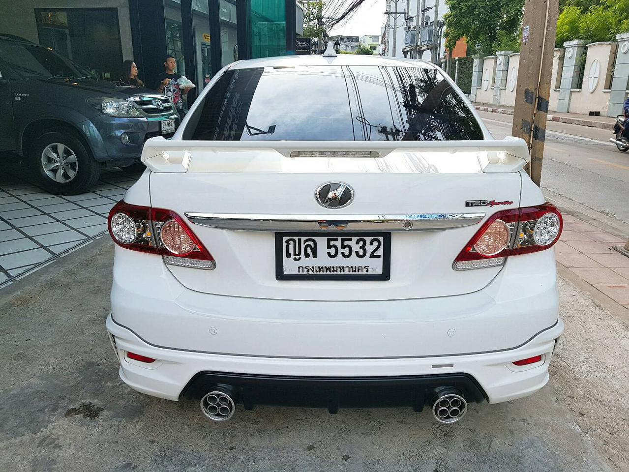 TOYOTA ALTIS SPORTIVO TRD 1.8 รถปี 2011 สีขาว รถบ้าน สวยมากครับ  รูปที่ 3