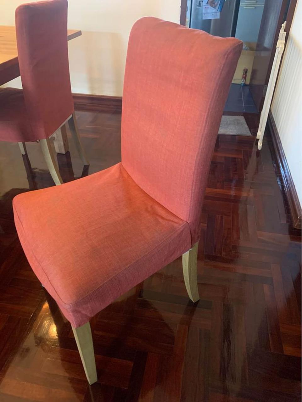 ขายด่วน!!! โต๊ะ ikea 6 ที่นั่ง แถมเก้าอี้ 2 ตัว  รูปที่ 3
